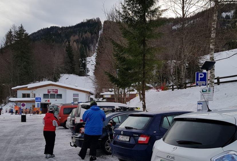 Pot do smučišča v Avstriji z električnim vozilom