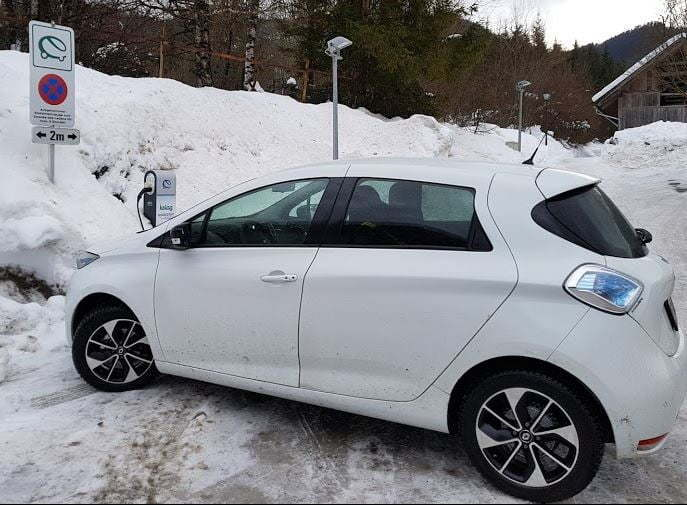 Praksa zavarovanja najete baterije pri vozilu Renault ZOE
