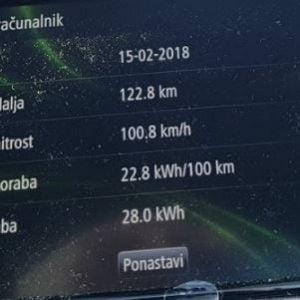Avtocestne hitrosti in poraba električnih vozil