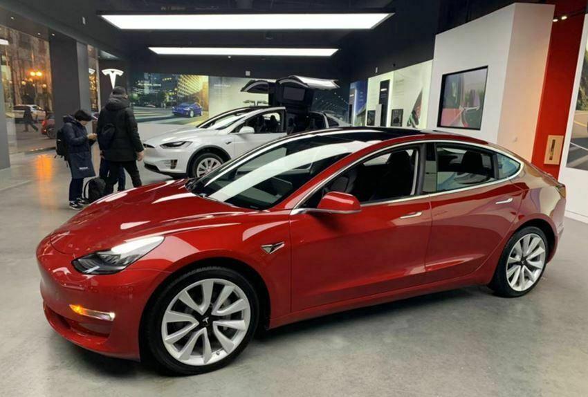 Tesla_02
