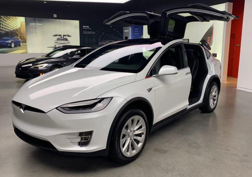 Tesla_04