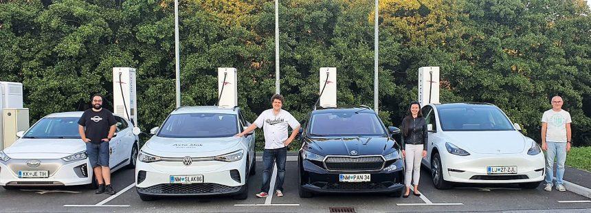 Tris električnih vozil SUV na relaciji Piran – Zgornje Dobrenje